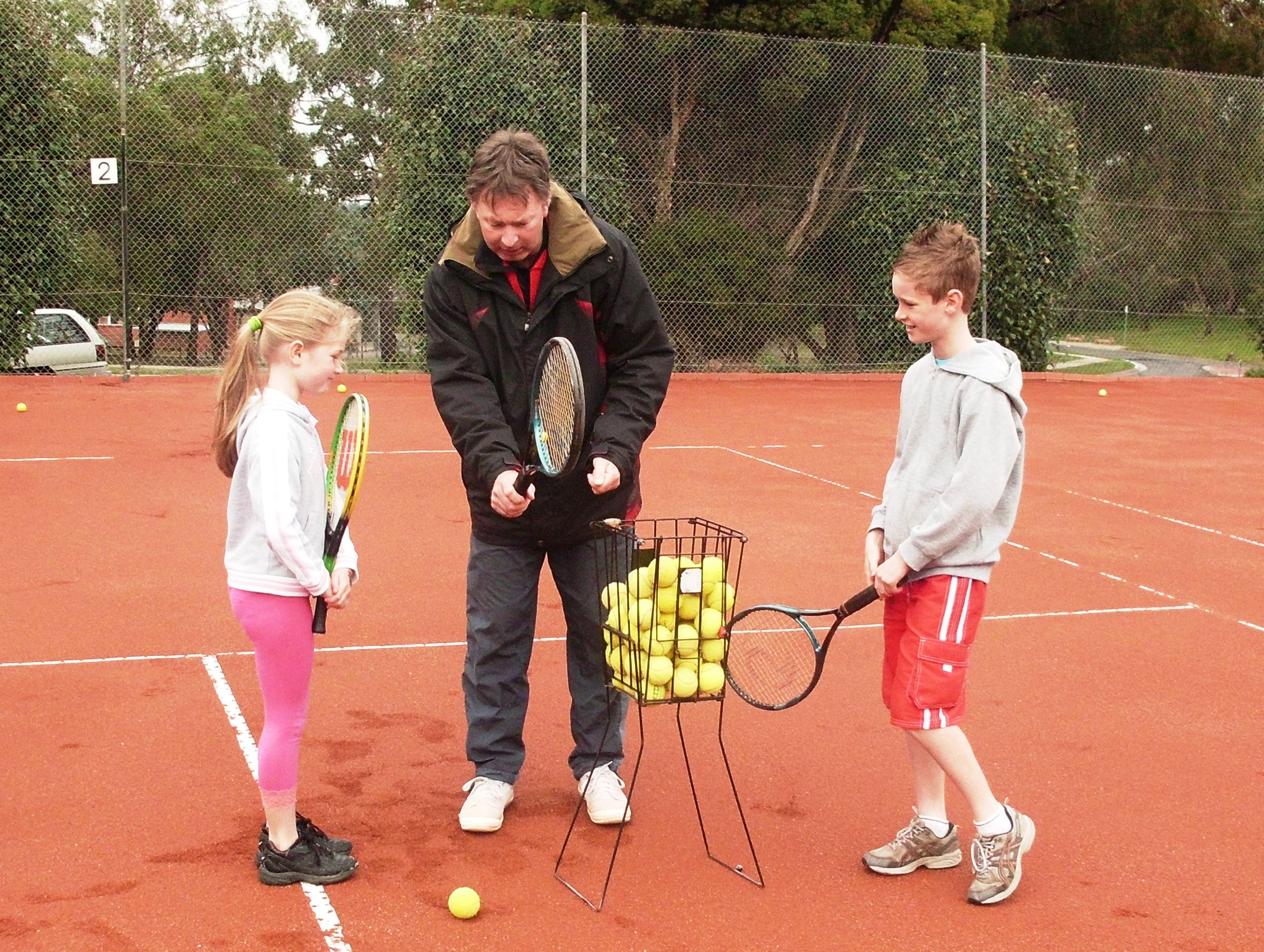 Leading tennis coach, Ian Peter-Budge
